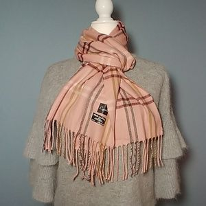 High quality scarf...cozy and warm